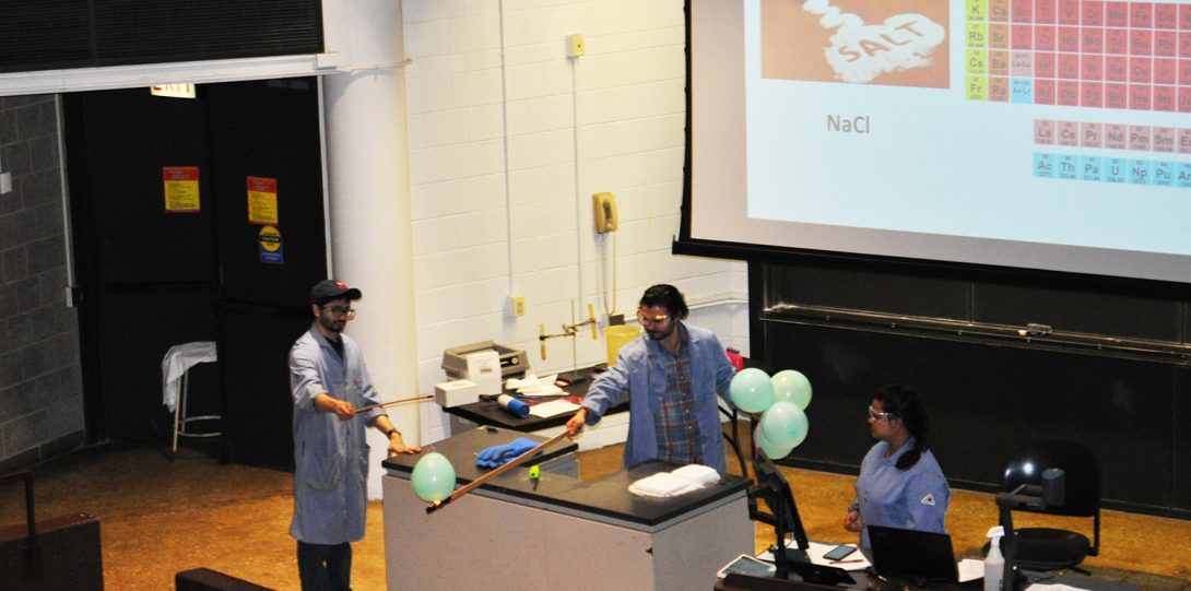 DemoDay 2019- Our grad students host elementary school kids to show off Chemistry!