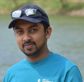 Chandimal is a graduate student in the Cologna Group.