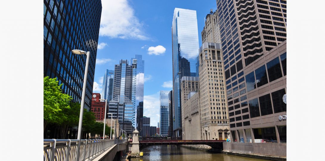 The south branch of the Chicago River goes through the Financial District.